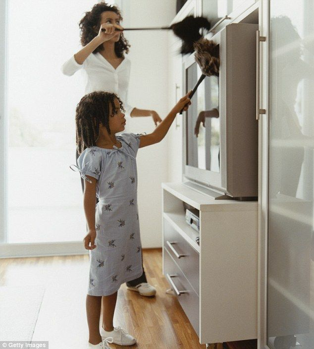 Stay-At-Home Moms Would Earn 6-Figure Salary if Paid for Duties