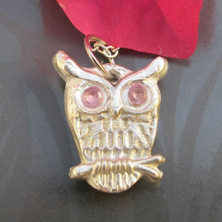 $60.00  1.3cm Owl with pink c.z eyes. Made by Julie Primmer