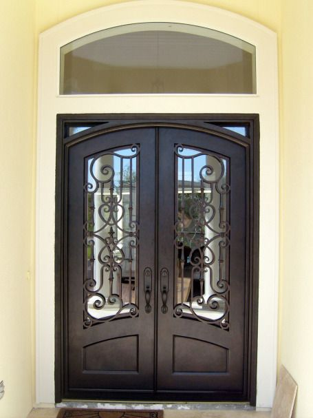 Arched door with straight frame