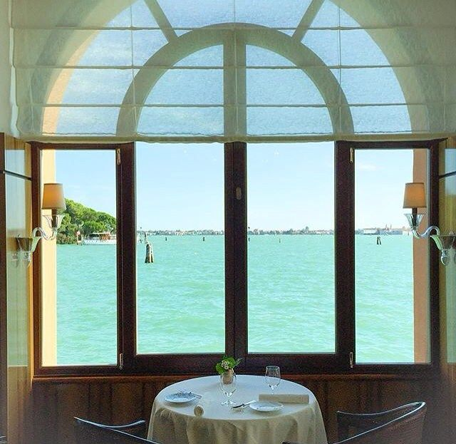 """Tag the person you would like to join you at """"the perfect table for lunch""""! #BelmondPostcards by @bybrucerussell #Venice #Italy"""