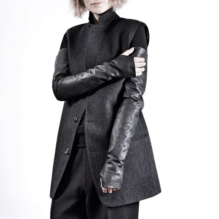 WILDHORN total look. Leather over elbow gloves you can find in my online store wildhornj.com