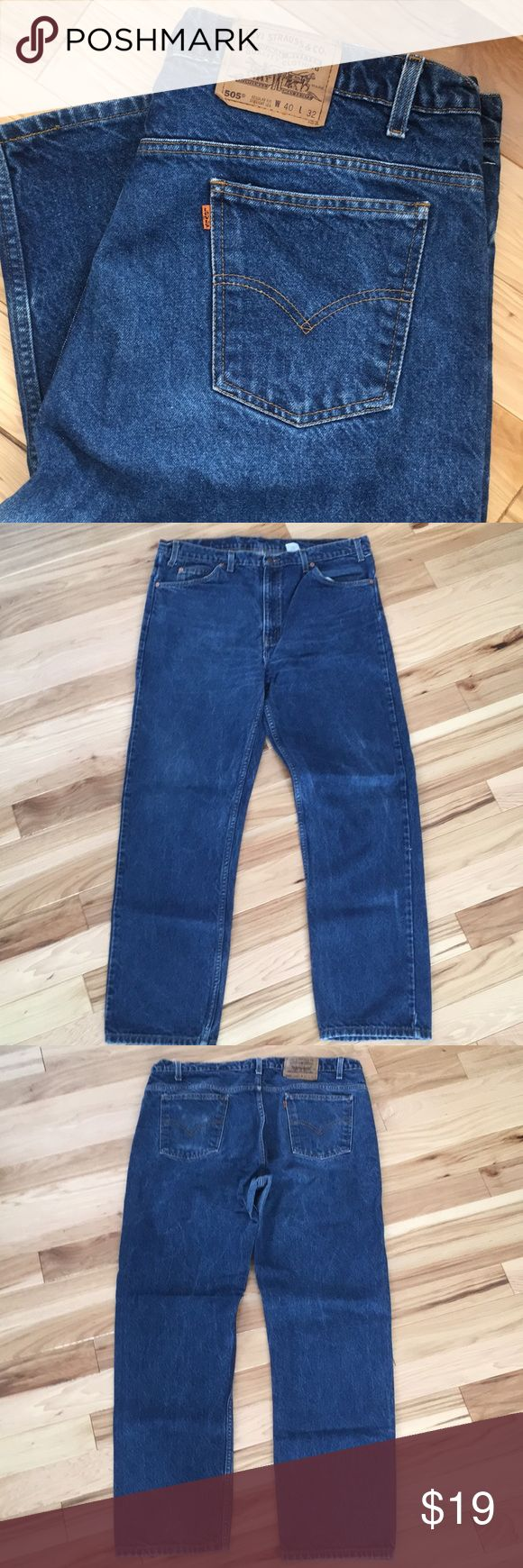 Men's 505 Levi's 40x32 Nice pair of men's Levi's 505 orange tab size 40x32, great condition. I do have 2 pairs of this size and style if there is interest will sell the second for a great deal, the second pair has some fading on one of the pockets so I will sell cheap for both! Just ask and I can post pics! Levi's Jeans Straight