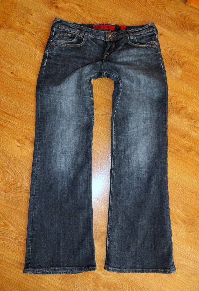 QS by s.Oliver Damen Jeans ABBY Smart Low Bootcut Hüft Gr 40/32 W30L32