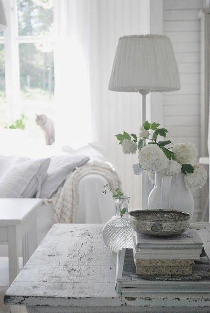 **pretty living room...
