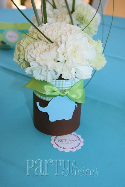 Fun centerpieces for this safari #babyshower!: Centerpiece Ideas, Party Colors, White Flowers, Safari Baby Showers, Baby Shower Ideas, Jungles Theme, Baby Shower Centerpieces, Babyshower Centerpieces Ideas, Center Pieces