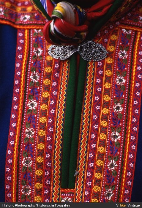 84 best images about Sami on Pinterest | Traditional, Folk ...
