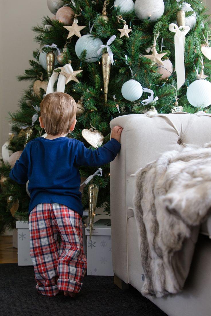 Малыш ищет свой подарок