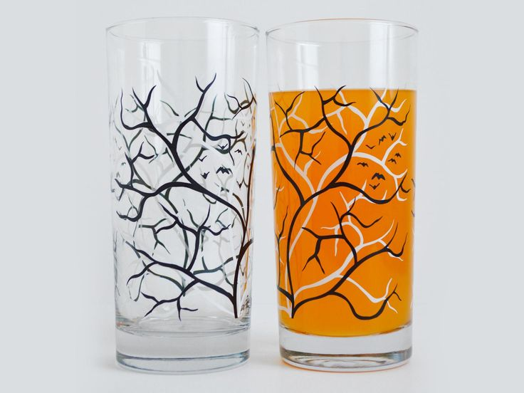 These spooky glasses, created in small batches in the United States, feature Mary Elizabeth's signature black and white tree design with flying bats. Dishwasher safe and very durable, these everyday glasses are functional works of art to enjoy year round.
