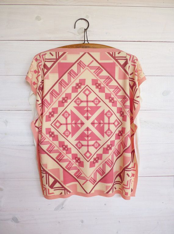 Pink cream Tunic top ethnic style, t-shirt, tribal printed design, reversible side, short batwing sleeves
