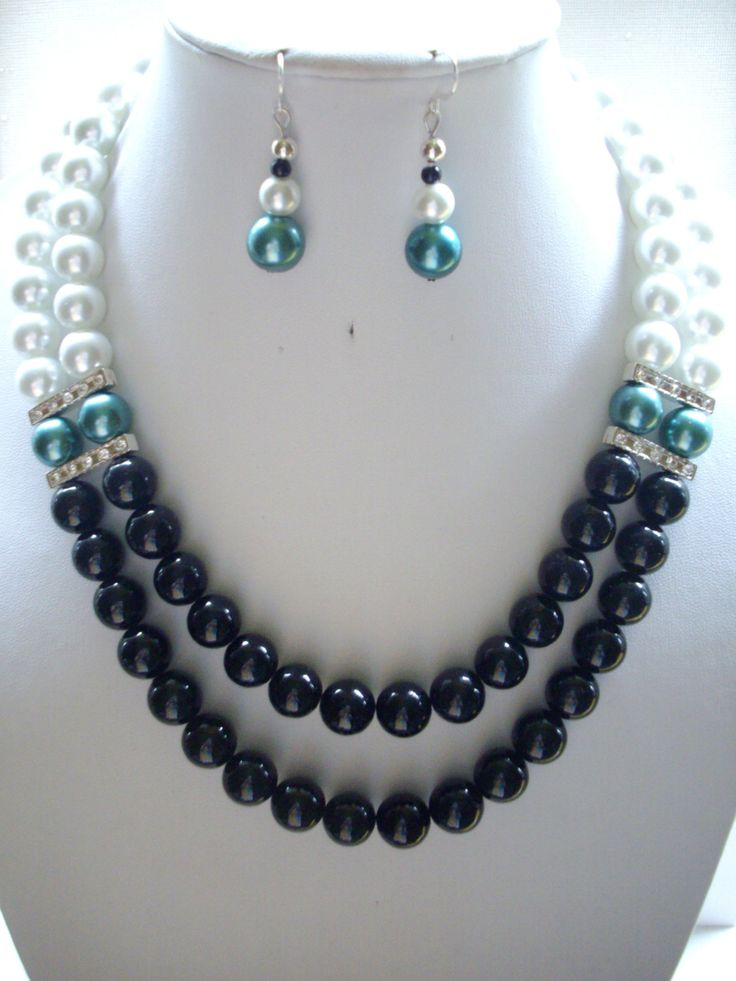 SALE Jet Black Fossil Beads White and Teal por DesignsbyPattiLynn