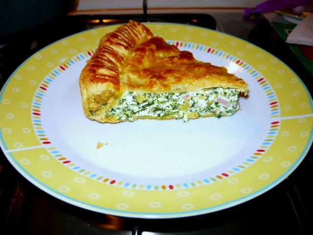 #cuciniamonaturale : Pizza rustica agli spinaci #pasta sfoglia #spinaci Valfrutta #ricotta #prosciutto cotto #provola #uovo www.valfrutta.it