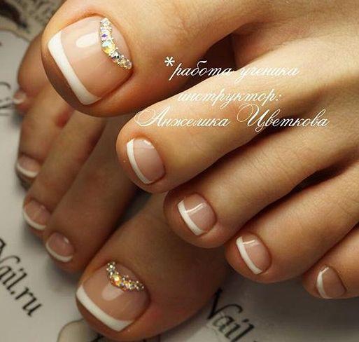 French-Rhinestone Toe NailArt