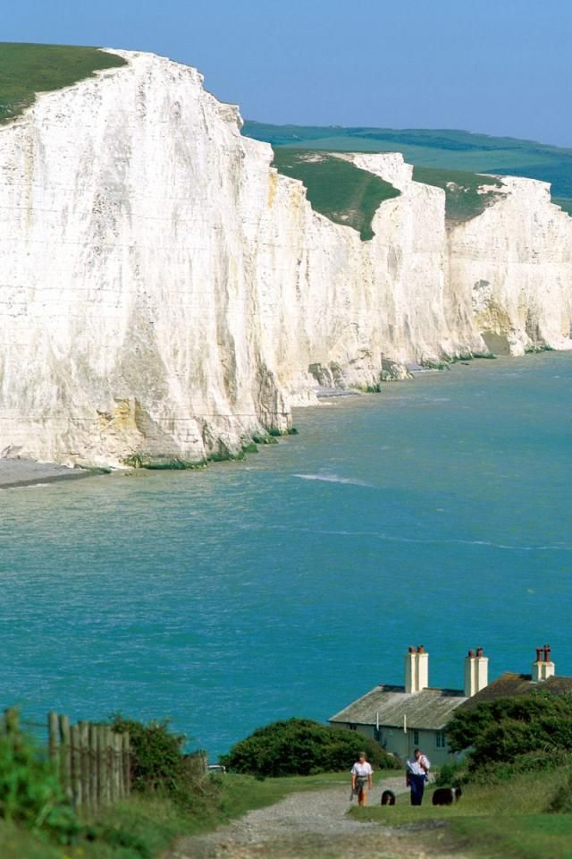 Seven Sisters, Eastbourne, East Sussex, England - Entire pic at http://miriadna.com/desctopwalls/images/max/Seven-sisters-%28England%29.jpg (Thx Sierra)
