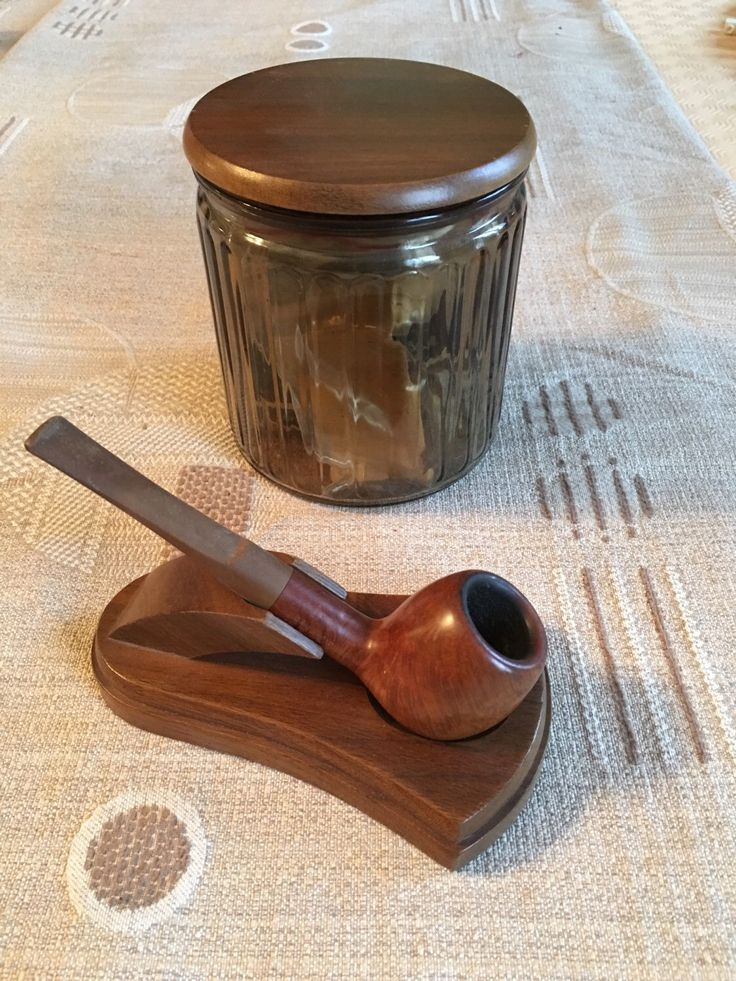 Le chouchou de ma boutique https://www.etsy.com/fr/listing/281155050/ensemble-pipe-presentoir-support-et-pot