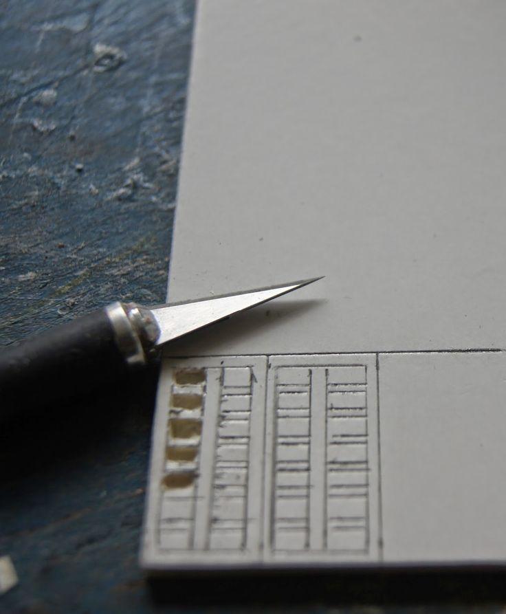 Et pourquoi pas une boite de peinture pour aquarelles?     Réalisée en samba 1mm d'épaisseur, elle mesure 2,2 cm/3cm/0,8 cm de haut...