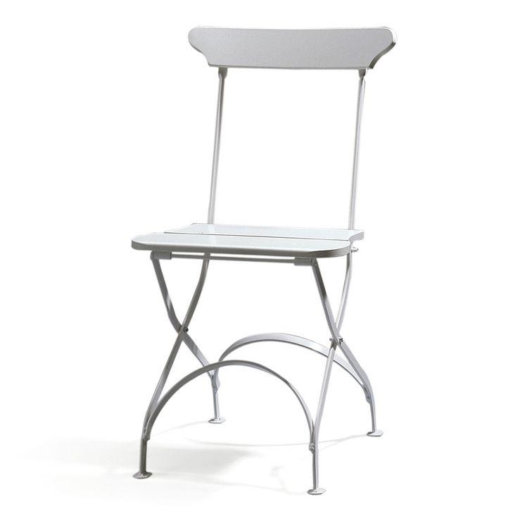 Classic stol no 2 är tillverkad av kalldraget plattjärn (20 x 6 mm), med mjukt rundade kanter. Före lackeringen är stativet såväl förzinkat som kromaterat. Stolen är hopfällbar.