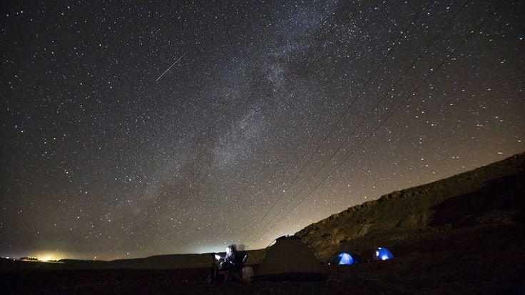 Acampamento para ver chuva de meteoros no sul de Israel