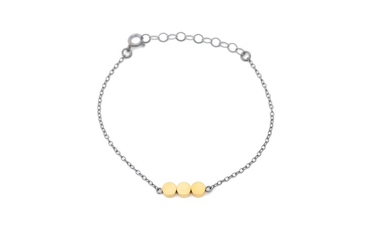 Minimal bracelet w. oxidized silver chain & matte gold beads