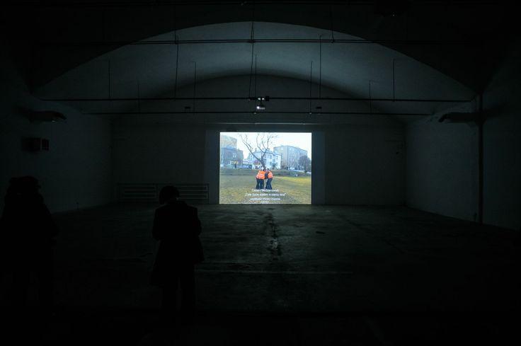 """Cezary Bodzianowski """"Całe życie stałem w cieniu kina""""   28.02.2014 - 30.03.2014   Galeria Labirynt, Lublin    fot. W. Pacewicz"""