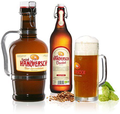 Hanöversch Dunkel - Durch die Verwendung drei ausgesuchter Bio-Malze erhält diese Bier-Spezialität seine rotblonde Farbe. Der Geschmack entspricht gewohnter Ursprünglichkeit: Ungefiltert, würzig und charakteristisch malzig.