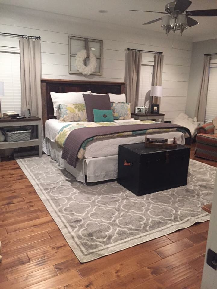 love shiplap wall love size of rug under bed rug is from dirt cheap store - Bedroom Rug Ideas