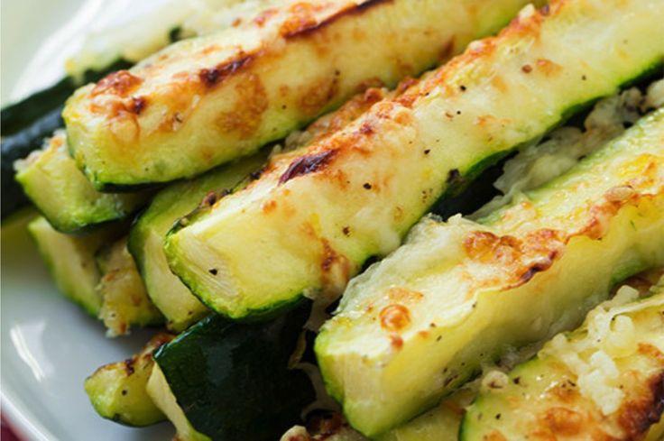 Najzdravšie cuketové hranolky s cesnakom a syrom na ktorých si pochutí každý!   Trendweb
