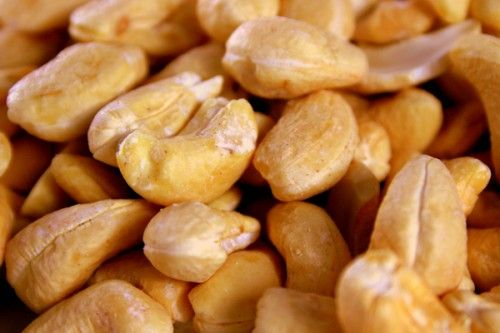 Want to know about roasted #cashewnuts nutrition facts? #cashew #roastednuts #roastedcashew #cashewnutrition