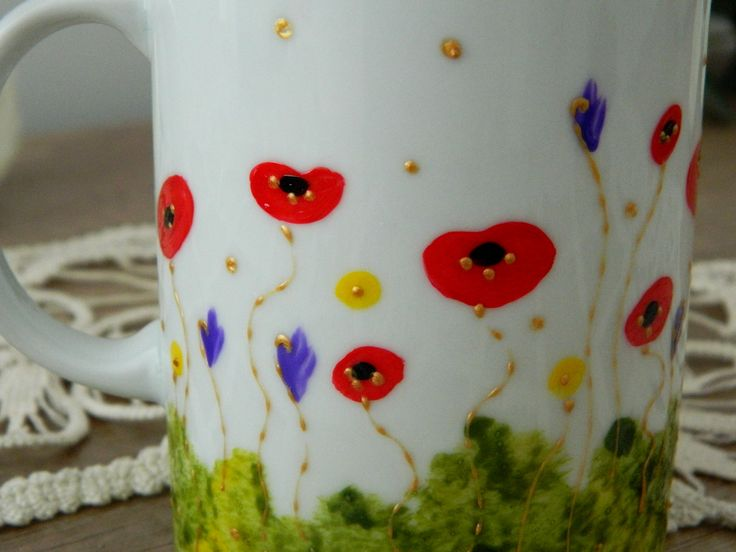 Tea cup with poppies, hand painted by Handmade Sister (www.handmadesister.blogspot.com)