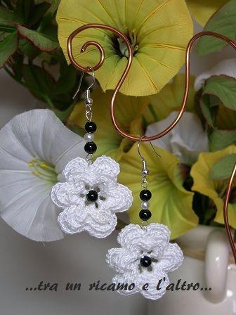 orecchini fiore uncinetto
