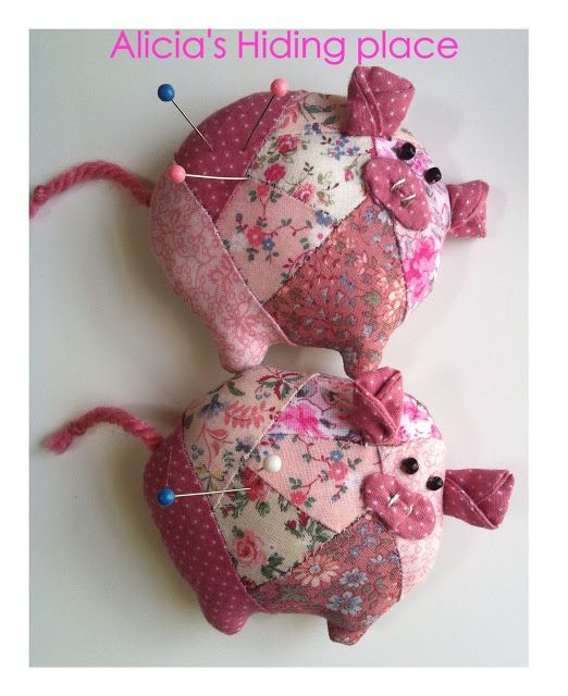 Patchwork pigs pincushions-