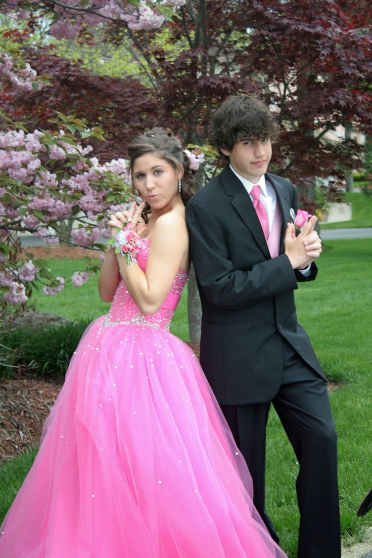 Find This Pin And More On Prom Poses