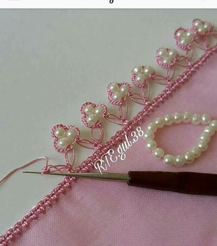 Remate Crochet com pérolas