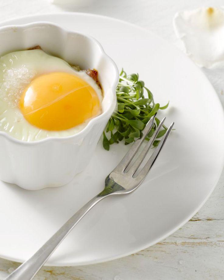 Een verrassend hartig taartje voor bij het ontbijt of bij de brunch, met ei en rauwe ham. Ideaal voor in het weekend of bij een feestelijke gelegenheid.
