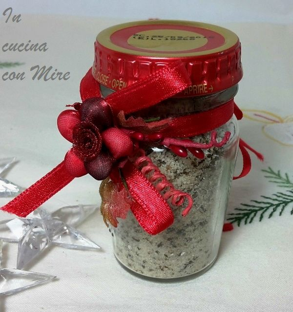 Per Natale, il sale aromatico alle erbe è ottimo per carni e pesce grigliate, a volte ci mancano le idee questo è un regalo sicuramente gradito.