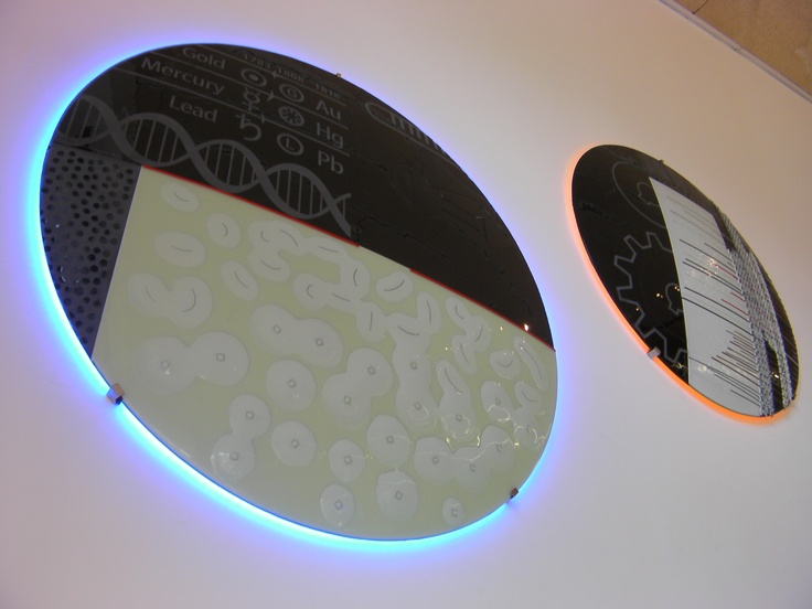 """""""CHEMISTRY"""" & """"YARNS"""" Lighting Circles - Library of Polytechnic University of Alcoy - Signed by the Glass Art creative Josep SanJuan - Tech.: Glass Fusing. It includes a Retro-LED lighting system. Diameter: 118 cm, Weight: 30 kgs."""