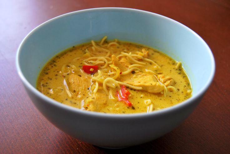 Tajska zupa z kurczakiem i mlekiem kokosowym