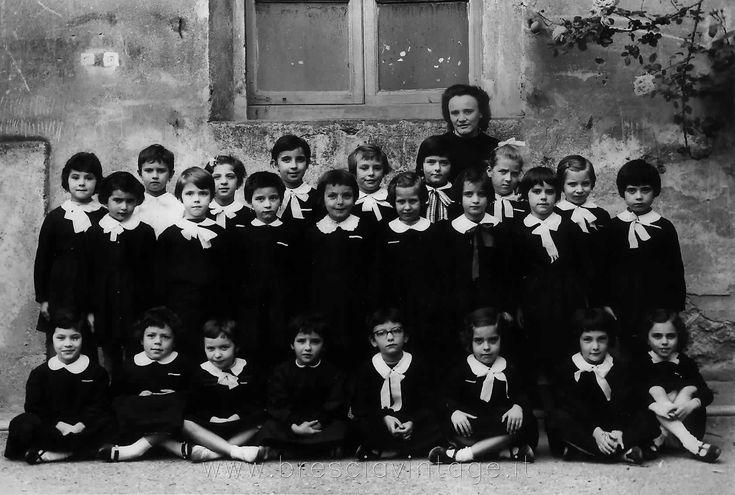 Classe Terza alla Filippo Corridoni - 1964 http://www.bresciavintage.it/brescia-antica/scuole-e-classi/classe-terza-filippo-corridoni-1964/