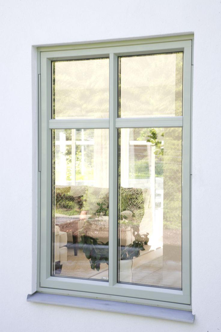 vit putsad fasad gröna fönster - Sök på Google
