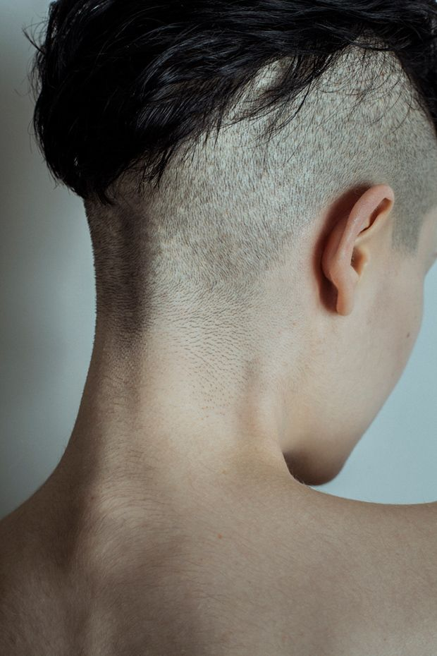 "Series Cortas: ""Tar and Feathers"" por Joanne Leah - http://www.anormalmag.com/shuffle/tar-and-feathers-por-joanne-leah/"