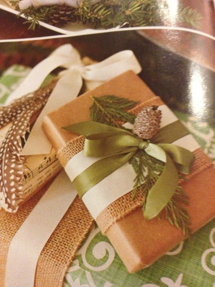 Wrapping idea - natural materials, yet elegant.