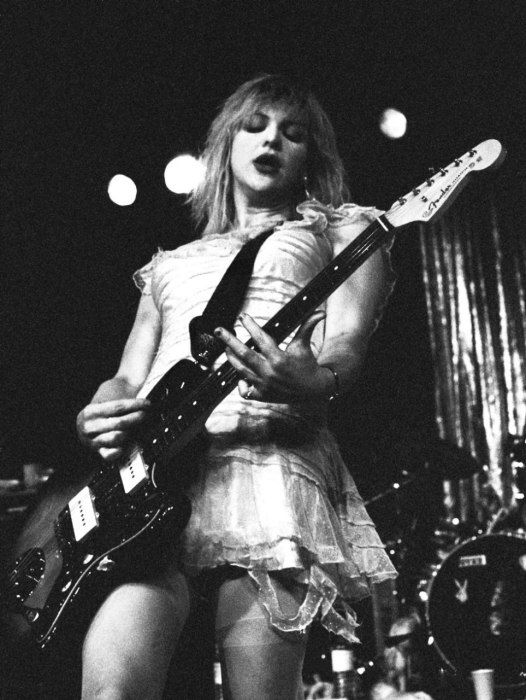 Love her or Hate her, Courtney Love does not apologize for who she is... #rockyouranthem #music 1994