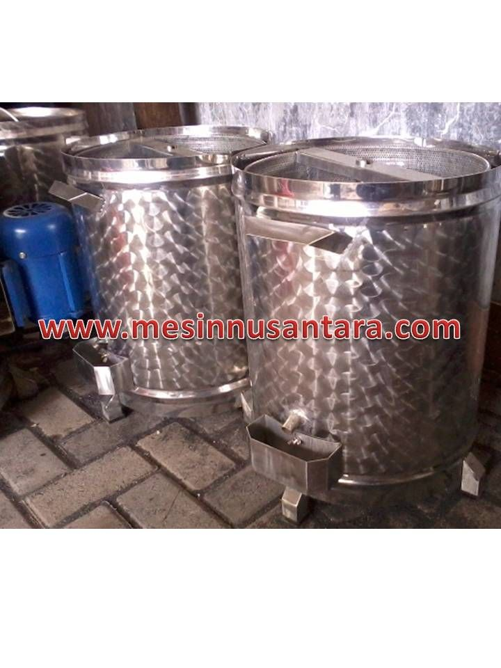 Mesin Peniris Minyak / Spinner adalah mesin yang digunakan untuk meniris minyak. Meisn ini biasa digunakan untuk usaha aneka keripik, gorengan dll.