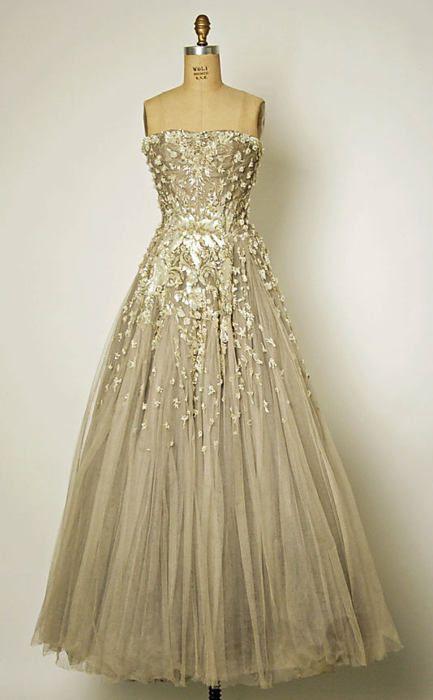 """Christian Dior - Robe de soirée """"Chambord"""" Automne/hiver 1954/1955"""