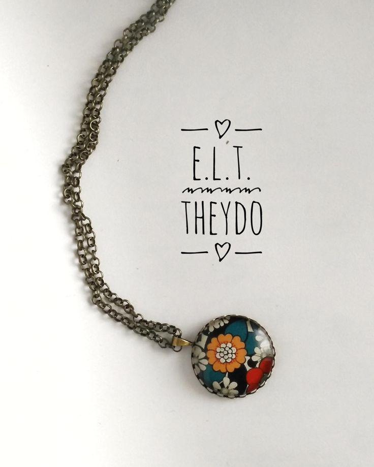 Pretty flowers necklace di ELTStore su Etsy