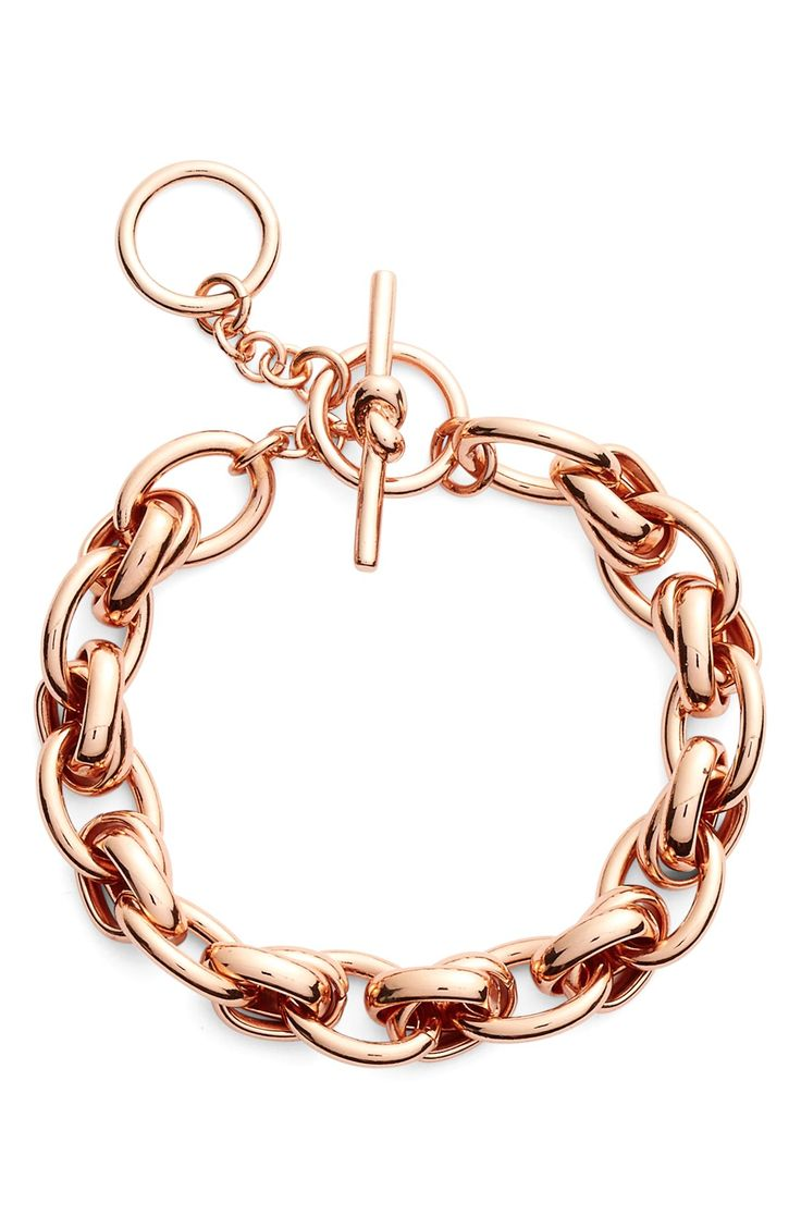 Simple, yet stunning. This Kate Spade chain link bracelet will look beautiful on its own or paired with other pieces.