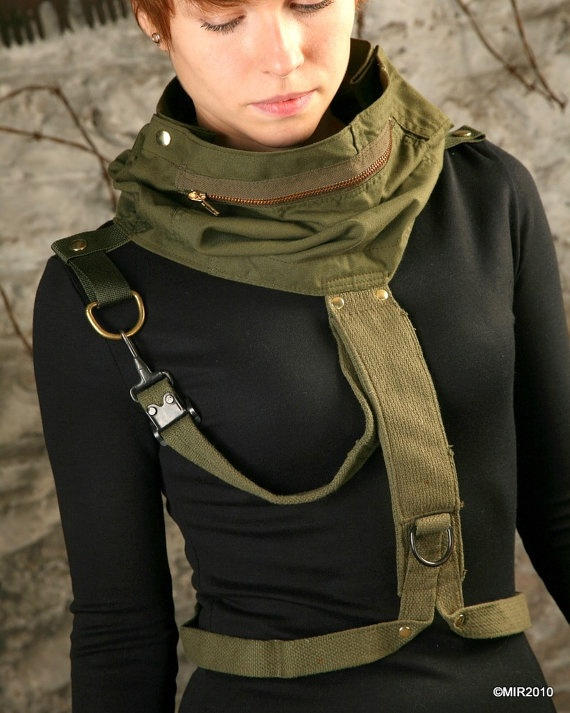 Inspiration: Commando Dress with MG47 Cowl  -- I love the look of this neck accessory, looks like a found object and it's really cool!