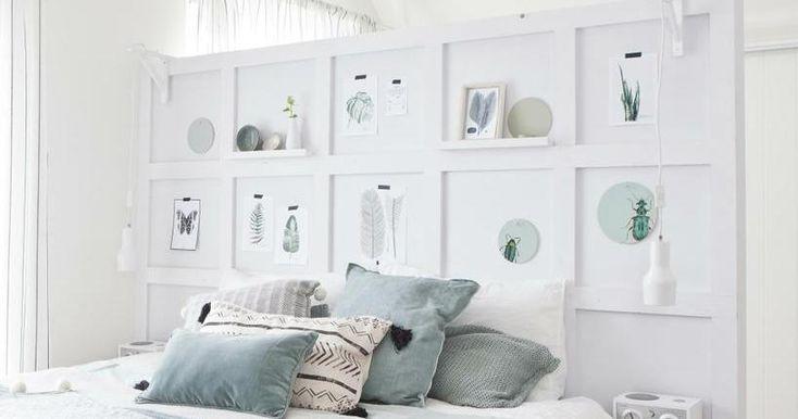 Una forma genial de separar el dormitorio de la zona de despacho, sin perder espacio ni luz. http://a.facilisimo.com/v2/2074172?fba