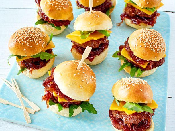 Unser beliebtes Rezept für Mini-Burger und mehr als 55.000 weitere kostenlose Rezepte auf LECKER.de.