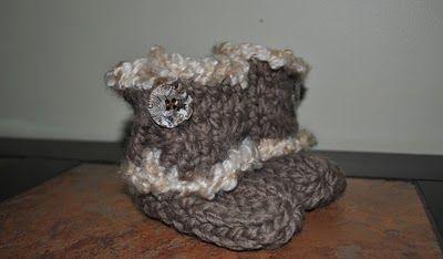 Loom Knit - Knifty Knitter Flower Loom Baby Boots