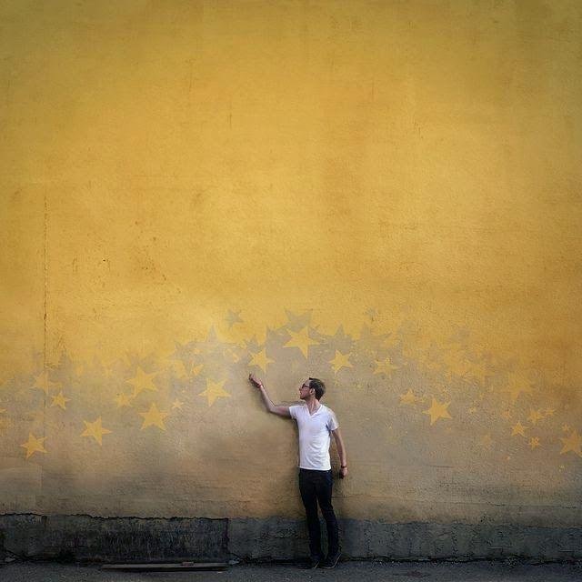 mur avec étoiles - http://mechantdesign.blogspot.fr